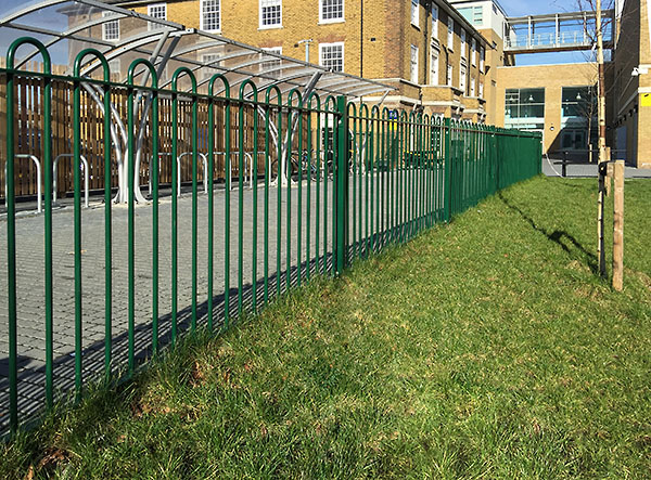 Picture-of-Bow-Top-fencing-installed-at-a-school